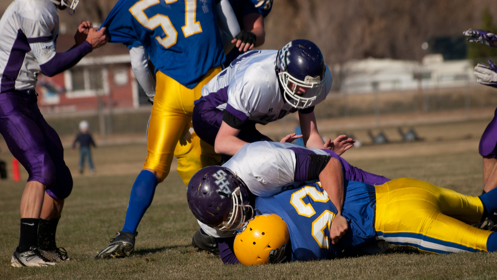 the concussions acquired in high school sports 2 in 10 high-school athletes who play contact sports — including soccer and lacrosse — will suffer a concussion this year girls' soccer sees the second-most concussions of all high school sports girls' basketball sees the third most.